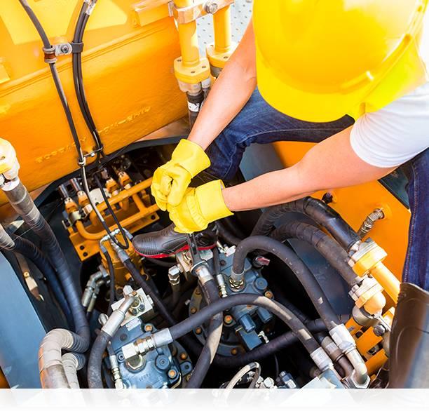 yellow truck engine being fixed by heavy diesel mechanic sunshine coast, brisbane & gympie
